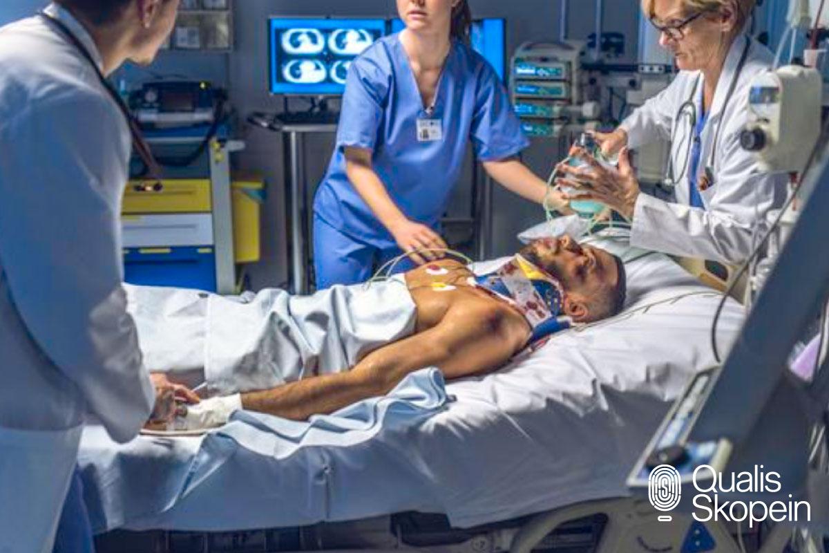 Atención de heridas en los hospitales, paciente herido